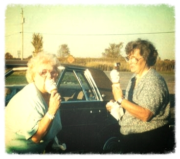grandma-eating-ice-cream_26212736143_o
